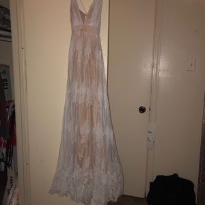 Luxxel Dresses - NWOT white tulle/nude low back floral maxi dress